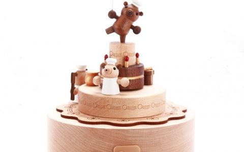 jeancard旋转小熊木质音乐盒