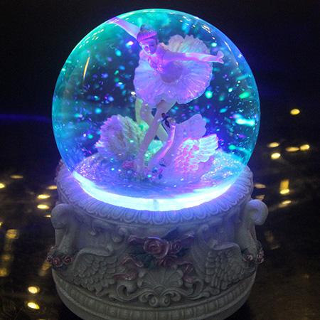 公主音乐盒水晶球跳舞芭蕾女孩八音盒儿童雪花发光生日礼物520节